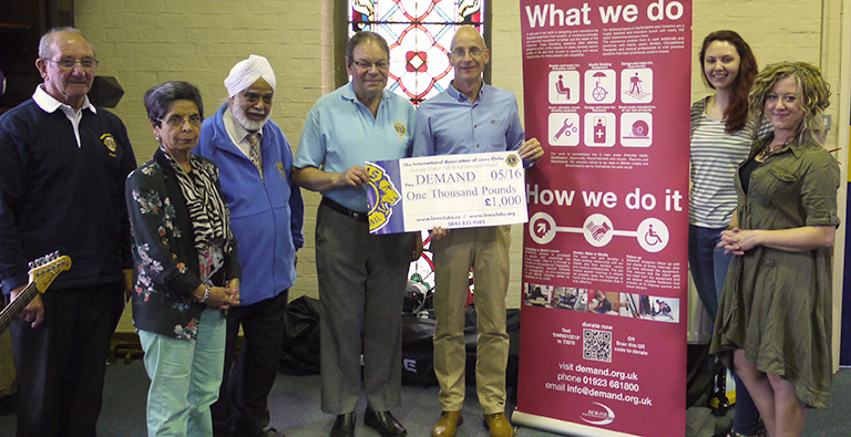 Watford_lions_cheque_1